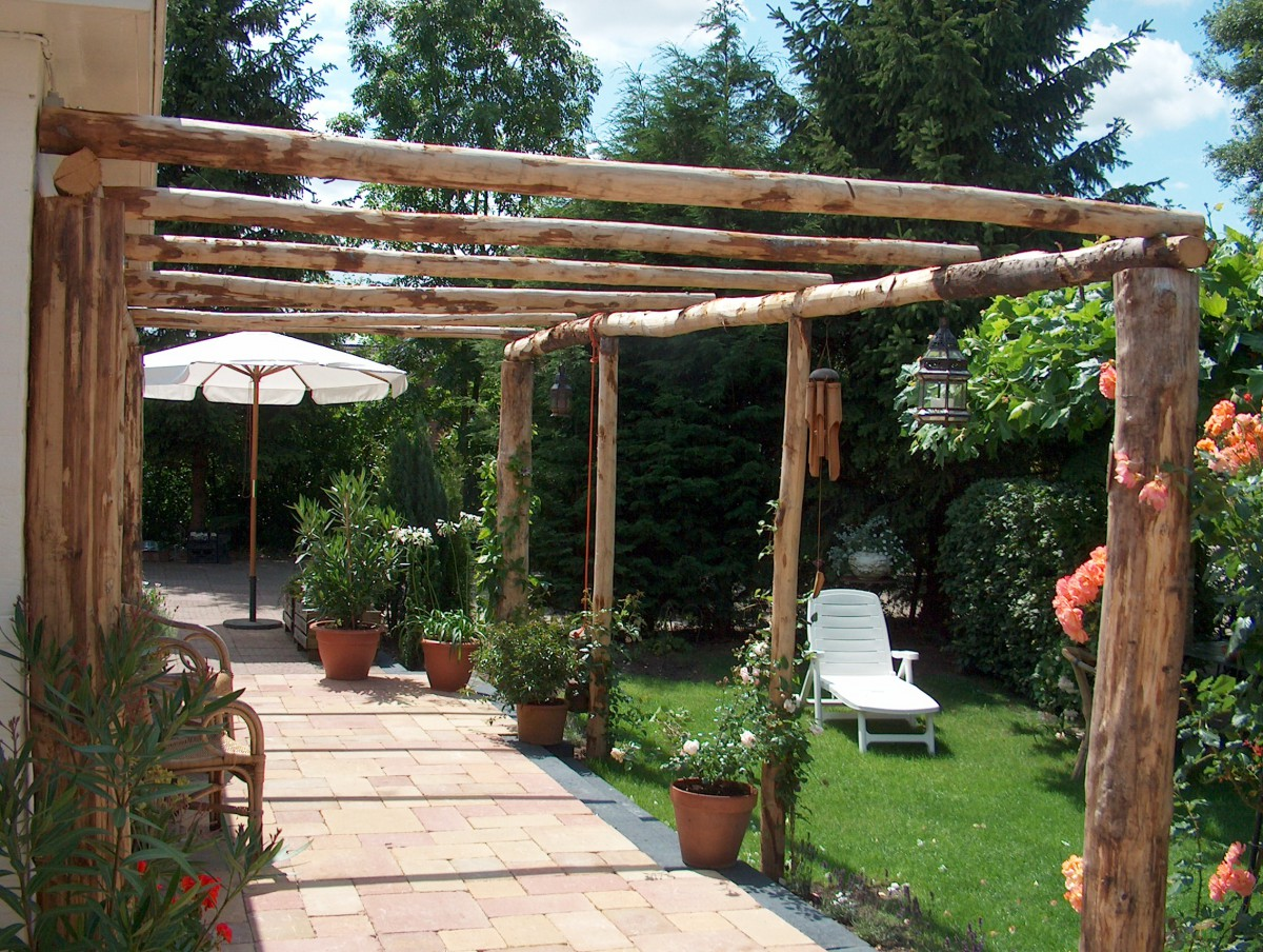 fabriquer sa pergola bois fabrication pergola photos. Black Bedroom Furniture Sets. Home Design Ideas